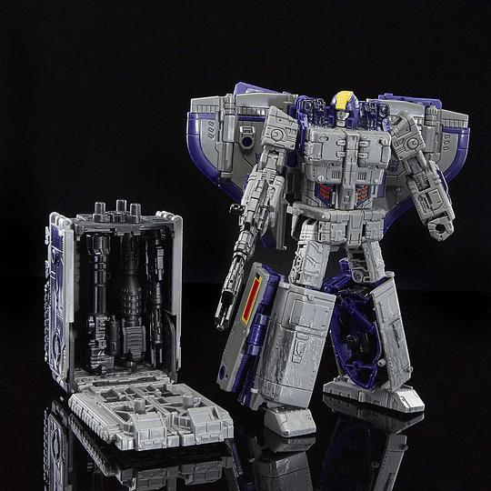 Astrotrain Leader Class Siege WFC Transformers