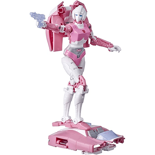 Arcee Deluxe Class Earthrise WFC Transformers
