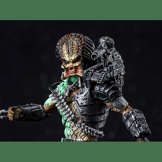 Battle Damaged Jungle Hunter Predator Exquisite Mini 1:18