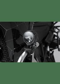 EVO high beam kit Black. With crash bar clamps for lights.