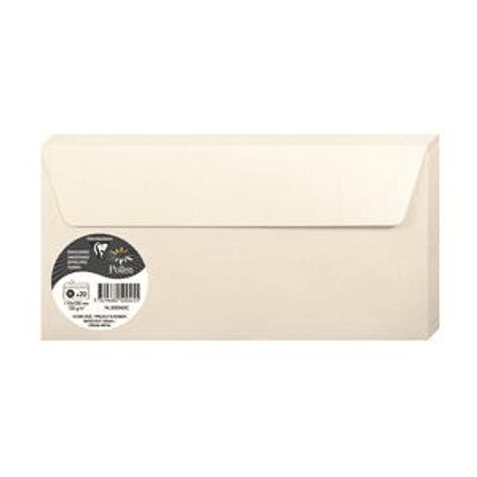 Конверт C65 110x220 кремовый с блеском