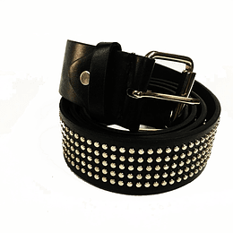 Cinturón con tachuelas redondas