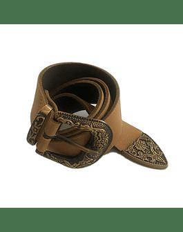 Cinturon café de cuero hebilla cuadrada con diseño
