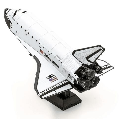 Transbordador Espacial Atlantis en color