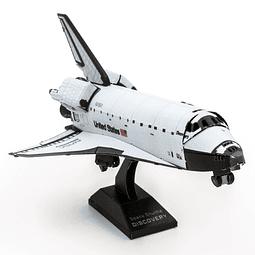 Transbordador Espacial Discovery en color