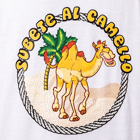 Polera subete al camello blanca