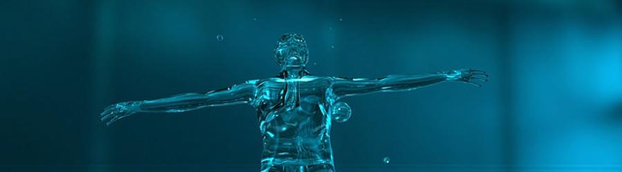 Beneficio de beber agua con cristales