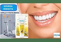 4 Estuche viajero + Cepillo + Crema dental + interdental