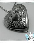 Relicario Corazón estilo repujado