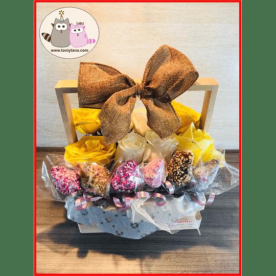 Flores con fresas Cubiertas de Chocolate en Caja de Madera - Image 2