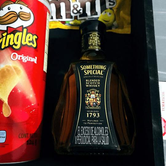 Regalos Sorpresa Caja con Whisky y trufas - Image 4