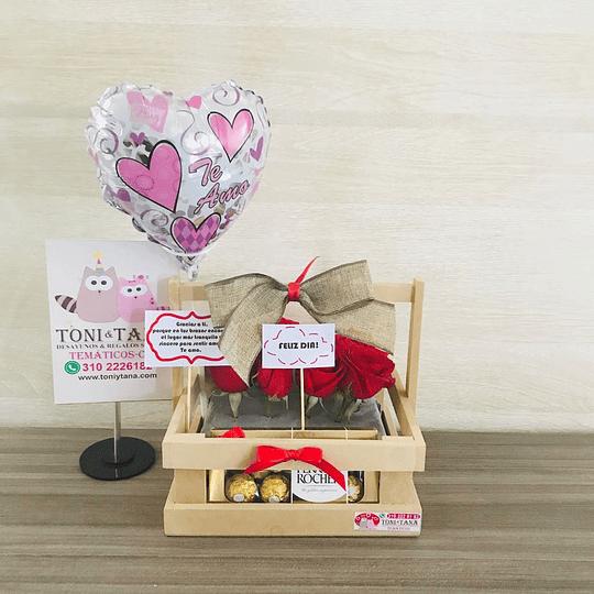 Flores con FERRERO de Chocolate en Caja de Madera - Image 1