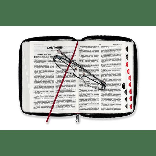 Bíblia DN 42ZTI | Com capa preta, fecho e índice digital