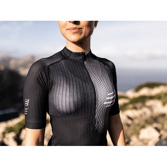 Trail Postural SS Top Negro Women -NEW