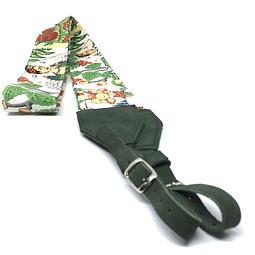 "Cinta para camaras tela ""Frida Khalo"" fondo blanco cuero verde"