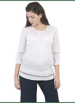 Blusa manga larga blanca con pliegues y detalles encaje