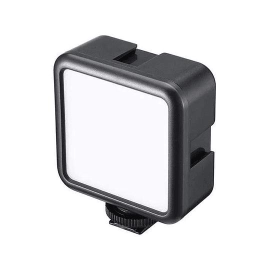 Ulanzi VL-49 Mini LED Recargable con Batería Recargable (2000mAh, 5500K, CRI95+) - Image 1