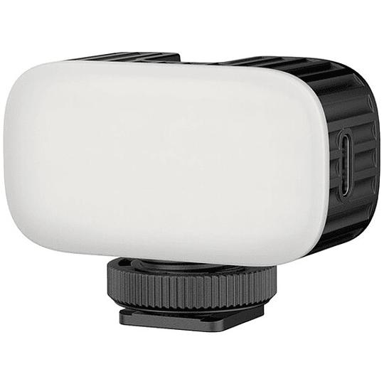 Ulanzi VL15 Super-Mini LED RGB para Cámaras y Smartphone - Image 1