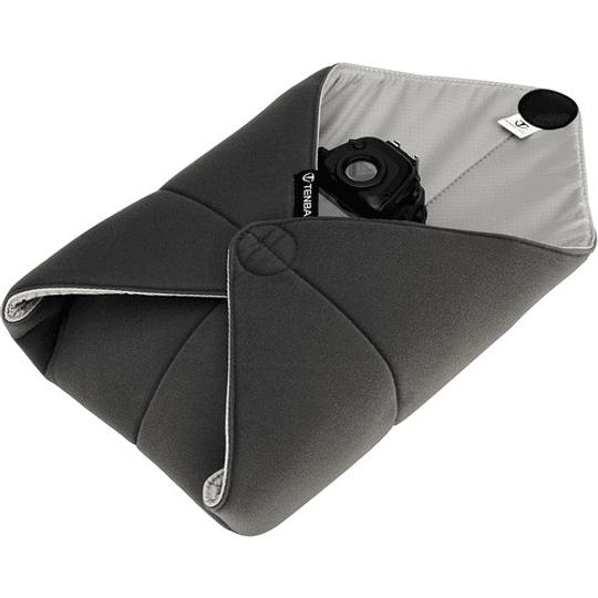 Tenba Tools 16″ Wrap – Envoltura Protectora Multiuso (40cm, Black/636-331) - Image 1