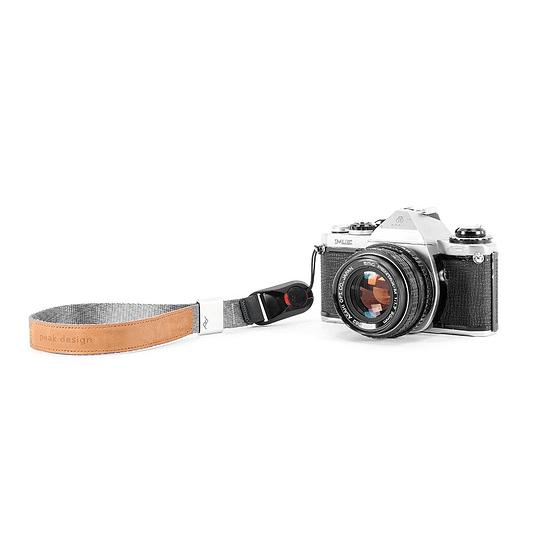 Peak Design CF-AS-3 Correa Cuff Camera Strap (Ash)  - Image 3
