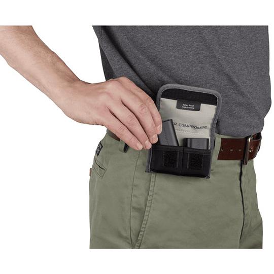 Tenba Tools – Funda para 2 Baterías (Gray/636-213) - Image 2