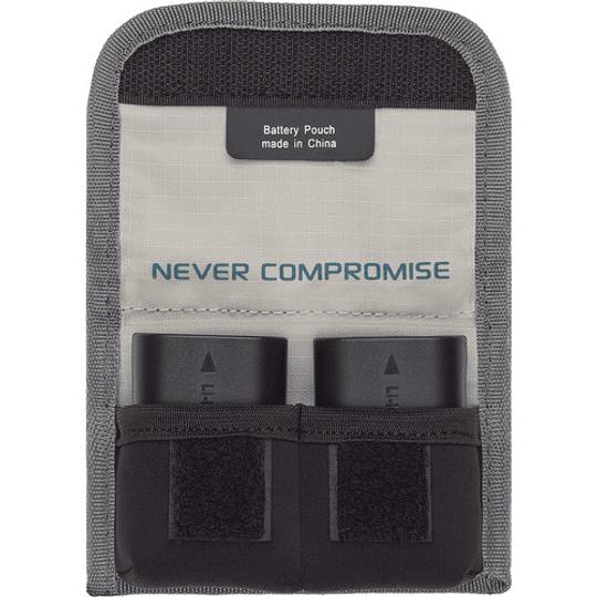 Tenba Tools – Funda para 2 Baterías (Gray/636-213) - Image 1