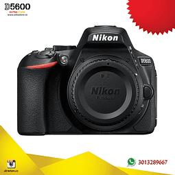 Nikon D5600 Cuerpo con Memoria 32gb y Estuche