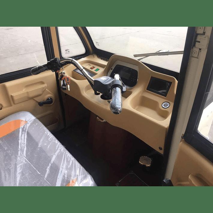 Passenger V8- Image 2
