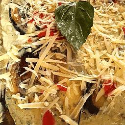 Lasaña de berenjena, pomodoro y albahaca (6 porciones)