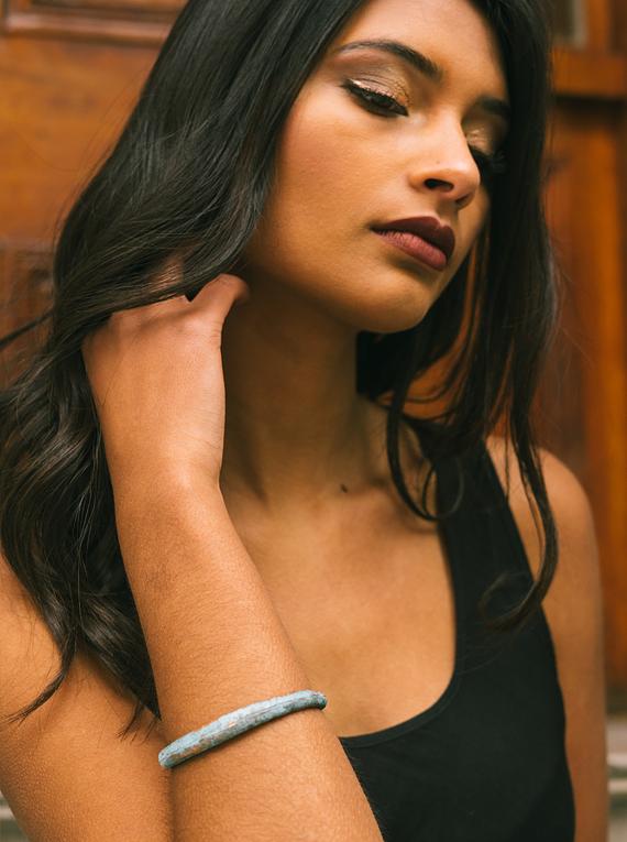 Fine anti-elastic bracelet