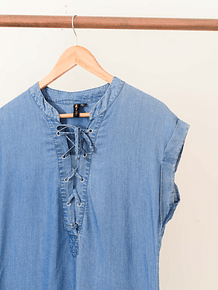 Vestido lace up denim