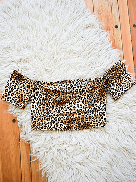 Crop top animal print off shoulder