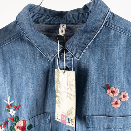 Blusa Flores Bordadas