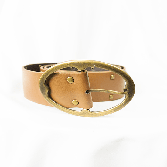 Cinturón Camel Tachas