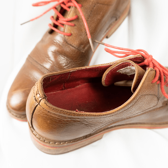 Red Laces Oxford