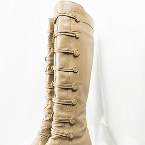 Buttons Boots