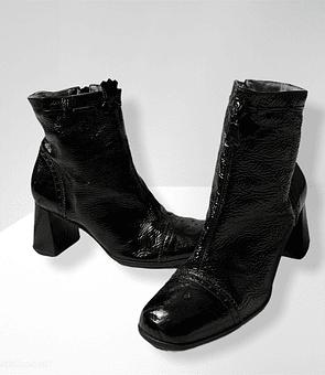 Charol Boots